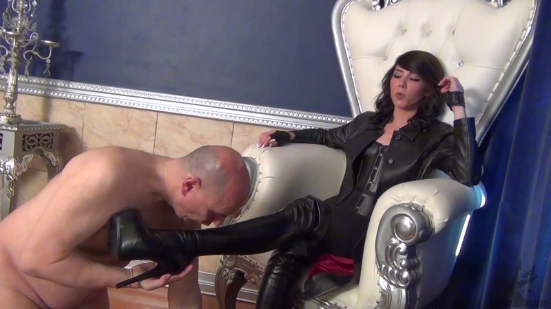 The Wolfe Sole Experience – Goddess Wolfe Needs Worshipping  [Wolfe, foot domination, Goddess Wolfe]