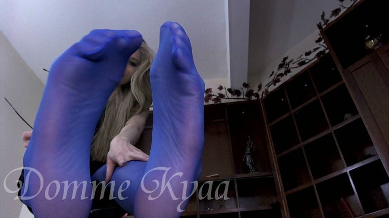 Watch or Download - Domme Kyaa - Blue Pantyhose Feet Worship -  - Release [27-07-2016]
