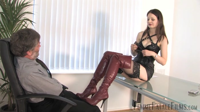Watch or Download - Femme Fatale Films - Mistress Kiana - Who's the Boss - FOOT HUMILIATION, FOOT FETISH, FOOT - Release [29-09-2016]
