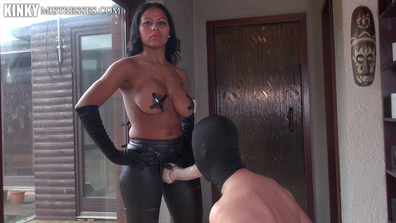 Watch or Download - Kinkymistresses - India Amazonas - Come Suck Amazonas Strapon - Kinkymistresses, India Amazonas, strapon, strap - Release [14-12-2016]