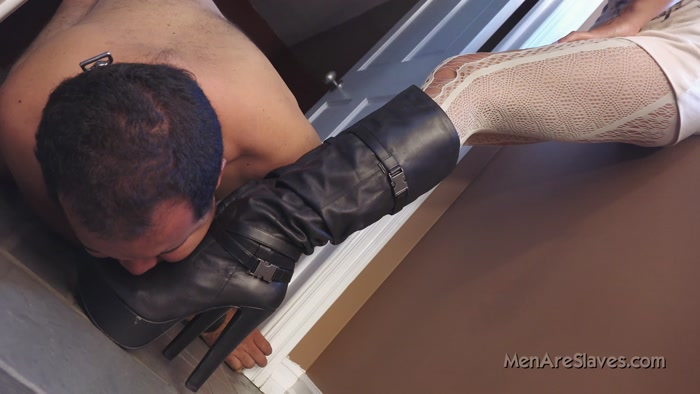 Watch or Download - Men Are Slaves - Lyla - Find My Boots - Men Are Slaves, Lyla, boots - Release [25-12-2016]