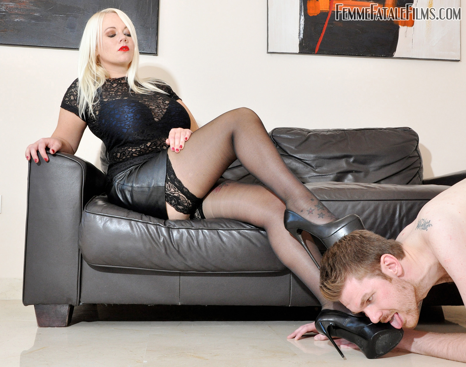 Watch or Download - Femmefatalefilms - Mistress Heather - Between My Toes - worship, high heels, leather, nipple - Release [13-03-2017]