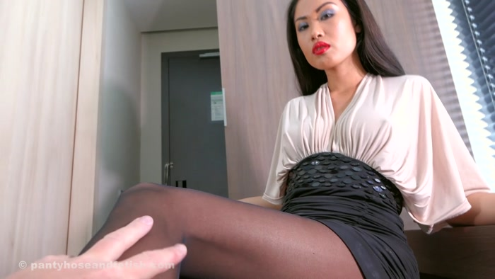 Watch or Download - Ballbusting Chicks - Akira - Losers get slapped in the face! - pov, jerkoff instructions, masturbation instruction - Release [30-06-2017]