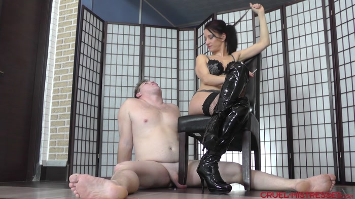 Watch or Download - EROTIC DOMMES - Mistress Bella - Eating two cigarettes - stomping, cock and ball crush - Release [21-10-2017]