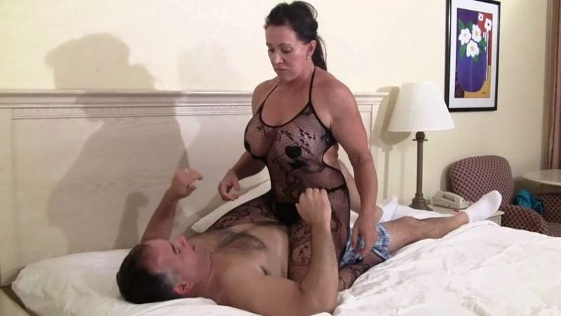 IRON BELLES MUSCLE ADDICTION STORE – Cruisin British Muscle Domme ...