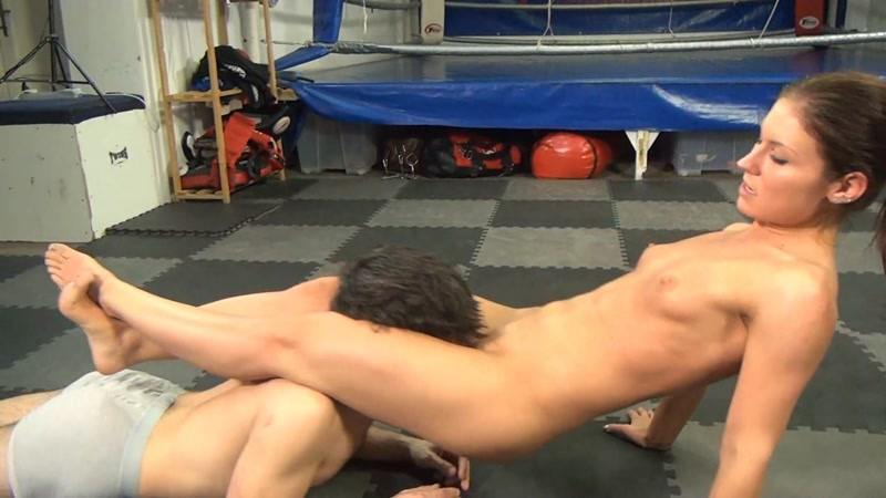 domination-mixed-wrestling-scissor-submissions