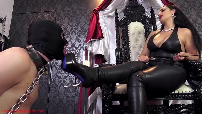 Mistress Ezada Sinn – A challenging worship  [spitting, LEATHER FETISH, Mistress Ezada Sinn]